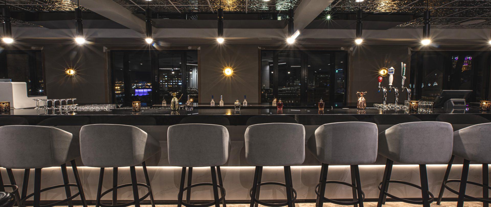 Clubby Bar